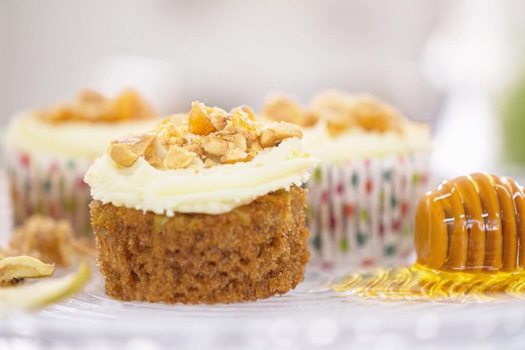 צילום מזון עוגת דבש לראש השנה